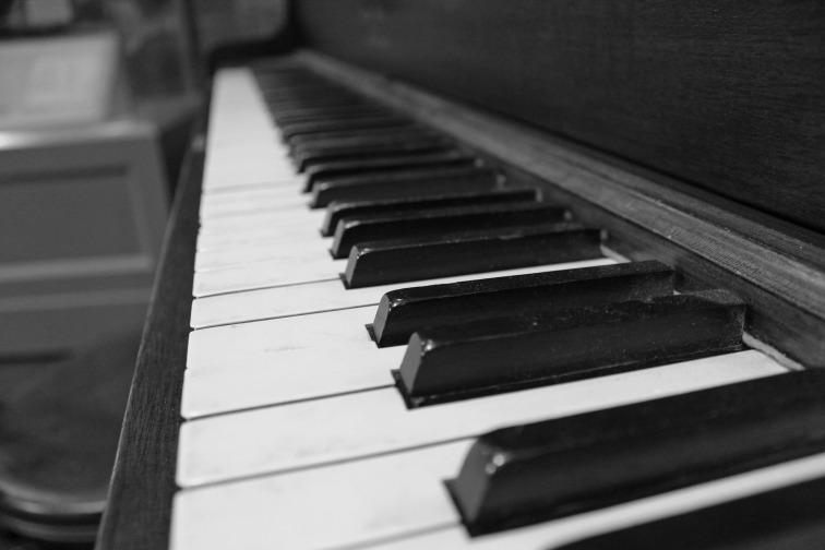 piano-1201360_1920